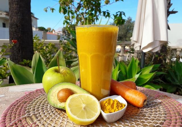 Turmeric Twist juice made at La Crisalida Retreats, juice retreat,, Spain